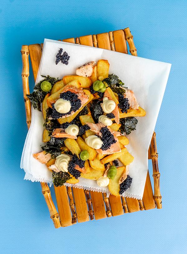 Japans Geinspireerde Kapsalon met Huisgerookte Zalm - Vette Sletten Foodblog